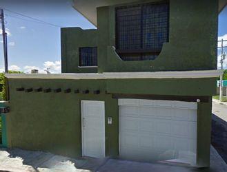 NEX-29564 - Casa en Venta en Valle Dorado, CP 24026, Campeche, con 3 recamaras, con 2 baños, con 1 medio baño, con 212 m2 de construcción.