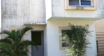 NEX-4665 - Casa en Venta en Jardines del Sur, CP 77536, Quintana Roo, con 3 recamaras, con 2 baños, con 1 medio baño, con 95 m2 de construcción.