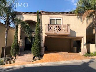 NEX-35745 - Casa en Venta, con 3 recamaras, con 3 baños, con 1 medio baño, con 323 m2 de construcción en Los Ángeles Bosque Residencial, CP 64753, Nuevo León.