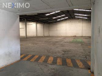 NEX-14368 - Bodega en Renta, con 8 medio baños, con 2100 m2 de construcción en Xocoyahualco, CP 54080, México.