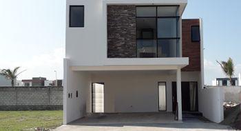 NEX-21700 - Casa en Venta en Lomas de la Rioja, CP 95266, Veracruz de Ignacio de la Llave, con 3 recamaras, con 2 baños, con 1 medio baño, con 182 m2 de construcción.