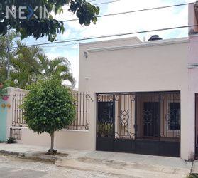 NEX-26401 - Casa en Renta, con 5 recamaras, con 4 baños, con 200 m2 de construcción en Francisco de Montejo, CP 97203, Yucatán.
