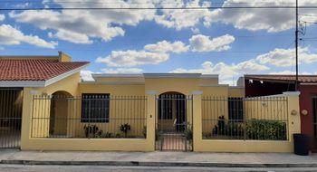 NEX-26411 - Casa en Renta en Jardines Del Norte, CP 97138, Yucatán, con 3 recamaras, con 2 baños, con 1 medio baño, con 300 m2 de construcción.
