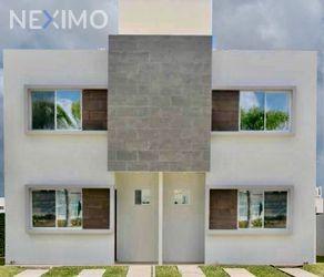 NEX-26429 - Casa en Renta, con 3 recamaras, con 3 baños, con 90 m2 de construcción en Jardines del Sur, CP 77536, Quintana Roo.