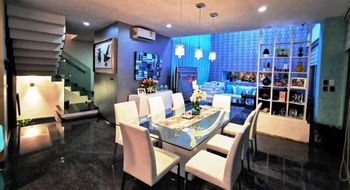 NEX-29651 - Casa en Venta en Residencial Cumbres, CP 77560, Quintana Roo, con 5 recamaras, con 6 baños, con 1 medio baño, con 350 m2 de construcción.