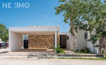 NEX-36862 - Casa en Venta, con 3 recamaras, con 4 baños, con 1 medio baño, con 235 m2 de construcción en Temozón Norte, CP 97302, Yucatán.
