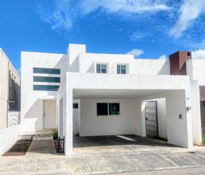 NEX-37599 - Casa en Renta en Altabrisa, CP 97130, Yucatán, con 3 recamaras, con 2 baños, con 1 medio baño, con 180 m2 de construcción.