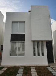 NEX-41318 - Casa en Venta en Supermanzana 326, CP 77536, Quintana Roo, con 3 recamaras, con 2 baños, con 1 medio baño, con 95 m2 de construcción.