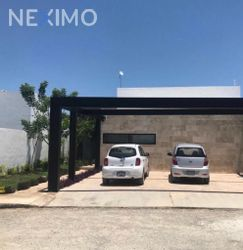 NEX-41470 - Casa en Renta, con 4 recamaras, con 5 baños, con 1 medio baño, con 191 m2 de construcción en Dzityá, CP 97302, Yucatán.