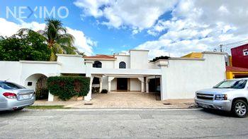 NEX-42693 - Casa en Venta, con 4 recamaras, con 5 baños, con 2 medio baños, con 532 m2 de construcción en México Norte, CP 97128, Yucatán.