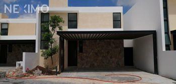 NEX-44157 - Casa en Venta, con 3 recamaras, con 3 baños, con 1 medio baño, con 206 m2 de construcción en Cholul, CP 97305, Yucatán.