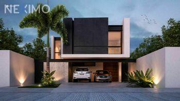 NEX-47990 - Casa en Venta, con 3 recamaras, con 4 baños, con 1 medio baño, con 279 m2 de construcción en Jardines de Conkal, CP 97345, Yucatán.