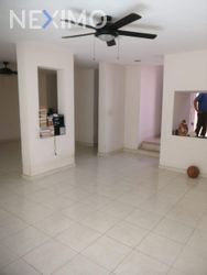 NEX-49700 - Casa en Venta, con 3 recamaras, con 2 baños, con 1 medio baño, con 170 m2 de construcción en Altabrisa, CP 97130, Yucatán.