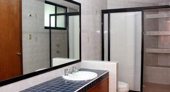 NEX-19087 - Casa en Venta en Jurica, CP 76100, Querétaro, con 3 recamaras, con 2 baños, con 1 medio baño, con 262 m2 de construcción.