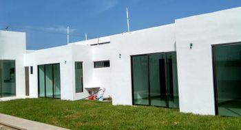 NEX-13240 - Casa en Venta en Villas de Conkal, CP 97345, Yucatán, con 3 recamaras, con 3 baños, con 1 medio baño, con 210 m2 de construcción.