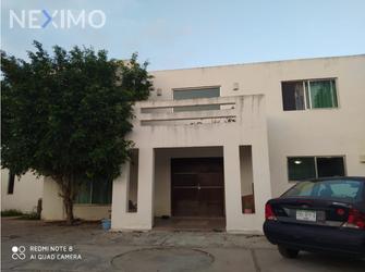 NEX-38413 - Casa en Venta, con 4 recamaras, con 3 baños, con 1 medio baño, con 355 m2 de construcción en Nuevo Yucatán, CP 97147, Yucatán.
