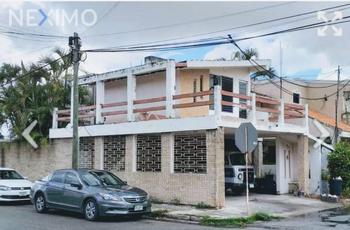 NEX-40436 - Casa en Venta, con 3 recamaras, con 2 baños, con 307 m2 de construcción en Pinos Norte II, CP 97138, Yucatán.