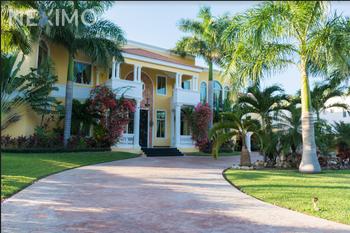 NEX-5223 - Casa en Venta, con 5 recamaras, con 5 baños, con 1 medio baño, con 2000 m2 de construcción en La Ceiba, CP 97314, Yucatán.