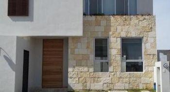 NEX-13476 - Casa en Renta en El Mirador, CP 76134, Querétaro, con 3 recamaras, con 2 baños, con 1 medio baño, con 140 m2 de construcción.