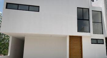 NEX-14843 - Casa en Venta en Residencial el Refugio, CP 76146, Querétaro, con 3 recamaras, con 2 baños, con 1 medio baño, con 151 m2 de construcción.
