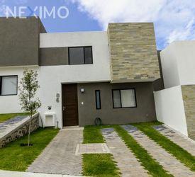NEX-15038 - Casa en Venta en Zibatá, CP 76269, Querétaro, con 3 recamaras, con 2 baños, con 1 medio baño, con 122 m2 de construcción.