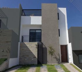 NEX-17389 - Casa en Venta en Zibatá, CP 76269, Querétaro, con 3 recamaras, con 2 baños, con 1 medio baño, con 176 m2 de construcción.