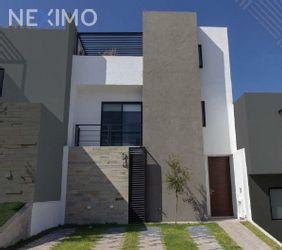 NEX-17389 - Casa en Venta, con 4 recamaras, con 3 baños, con 1 medio baño, con 176 m2 de construcción en Zibatá, CP 76269, Querétaro.