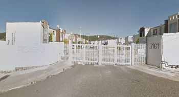 NEX-19034 - Departamento en Renta en Paseos del Pedregal, CP 76148, Querétaro, con 3 recamaras, con 1 baño, con 1 medio baño, con 75 m2 de construcción.