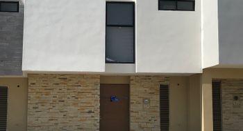 NEX-24335 - Casa en Renta en Residencial el Refugio, CP 76146, Querétaro, con 3 recamaras, con 2 baños, con 1 medio baño, con 150 m2 de construcción.