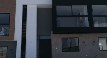 NEX-27958 - Casa en Venta en Zákia, CP 76269, Querétaro, con 3 recamaras, con 2 baños, con 1 medio baño, con 132 m2 de construcción.