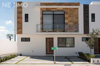 NEX-29214 - Casa en Venta, con 3 recamaras, con 2 baños, con 1 medio baño, con 143 m2 de construcción en Cañadas del Lago, CP 76922, Querétaro.