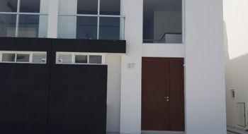 NEX-30043 - Casa en Renta en Zákia, CP 76269, Querétaro, con 3 recamaras, con 2 baños, con 1 medio baño, con 118 m2 de construcción.