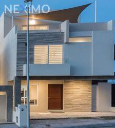 NEX-32598 - Casa en Venta en Zibatá, CP 76269, Querétaro, con 3 recamaras, con 3 baños, con 1 medio baño, con 218 m2 de construcción.