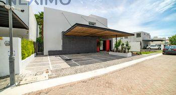 NEX-34232 - Casa en Renta en Jurica, CP 76100, Querétaro, con 4 recamaras, con 5 baños, con 1 medio baño, con 320 m2 de construcción.