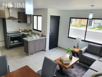 NEX-37470 - Casa en Venta, con 3 recamaras, con 2 baños, con 1 medio baño, con 110 m2 de construcción en Zákia, CP 76269, Querétaro.