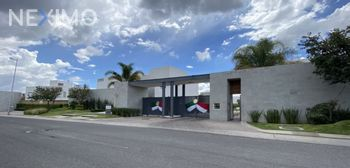 NEX-56417 - Casa en Venta, con 3 recamaras, con 2 baños, con 1 medio baño, con 170 m2 de construcción en Juriquilla Santa Fe, CP 76230, Querétaro.