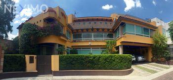 NEX-39715 - Casa en Venta, con 3 recamaras, con 5 baños, con 1 medio baño, con 311 m2 de construcción en Los Reyes, CP 04330, Ciudad de México.
