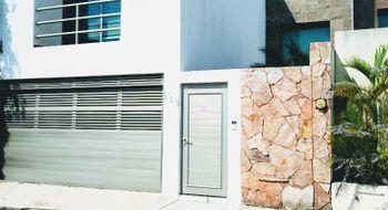 NEX-12000 - Casa en Venta en Paraíso Coatzacoalcos, CP 96523, Veracruz de Ignacio de la Llave, con 3 recamaras, con 3 baños, con 1 medio baño, con 160 m2 de construcción.