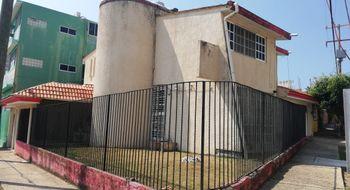 NEX-20671 - Casa en Venta en Petrolera, CP 96500, Veracruz de Ignacio de la Llave, con 3 recamaras, con 2 baños, con 1 medio baño, con 300 m2 de construcción.