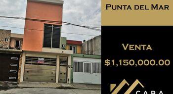 NEX-25789 - Casa en Venta en Punta Del Mar, CP 96536, Veracruz de Ignacio de la Llave, con 3 recamaras, con 2 baños, con 1 medio baño, con 80 m2 de construcción.
