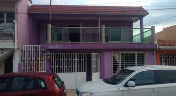 NEX-3740 - Casa en Renta en Iquisa, CP 96500, Veracruz de Ignacio de la Llave, con 3 recamaras, con 1 baño, con 120 m2 de construcción.
