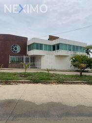 NEX-47898 - Casa en Renta, con 4 recamaras, con 4 baños, con 390 m2 de construcción en Maria de La Piedad, CP 96410, Veracruz de Ignacio de la Llave.