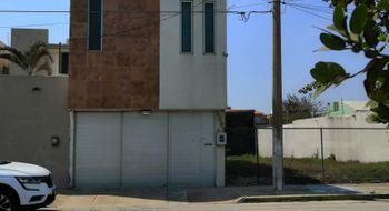 NEX-8468 - Casa en Venta en Guadalupe Victoria, CP 96520, Veracruz de Ignacio de la Llave, con 3 recamaras, con 5 baños, con 1 medio baño, con 274 m2 de construcción.