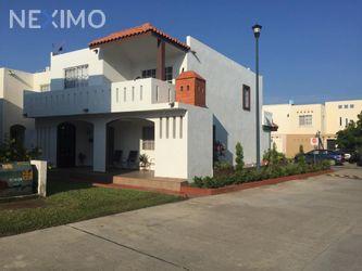NEX-40329 - Casa en Venta en Villas Náutico, CP 89605, Tamaulipas, con 4 recamaras, con 2 baños, con 1 medio baño, con 125 m2 de construcción.