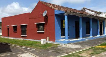 NEX-11891 - Casa en Venta en Tlacotalpan, CP 95460, Veracruz de Ignacio de la Llave, con 4 recamaras, con 1 baño, con 1 medio baño, con 193 m2 de construcción.