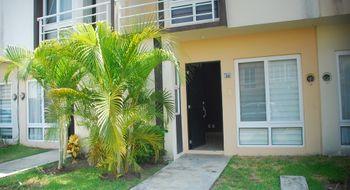 NEX-16221 - Casa en Renta en Crystal Lagoons, CP 91775, Veracruz de Ignacio de la Llave, con 3 recamaras, con 2 baños, con 1 medio baño, con 85 m2 de construcción.