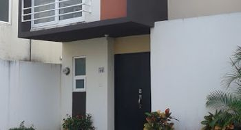 NEX-20851 - Casa en Renta en Crystal Lagoons, CP 91775, Veracruz de Ignacio de la Llave, con 3 recamaras, con 2 baños, con 1 medio baño, con 102 m2 de construcción.