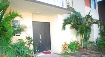 NEX-21681 - Casa en Renta en Crystal Lagoons, CP 91775, Veracruz de Ignacio de la Llave, con 3 recamaras, con 2 baños, con 1 medio baño, con 105 m2 de construcción.