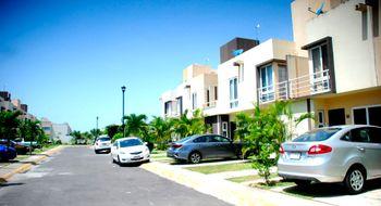 NEX-32177 - Casa en Renta en Crystal Lagoons, CP 91775, Veracruz de Ignacio de la Llave, con 3 recamaras, con 2 baños, con 1 medio baño, con 85 m2 de construcción.