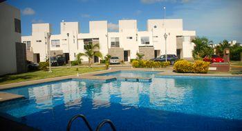 NEX-33193 - Casa en Renta en Crystal Lagoons, CP 91775, Veracruz de Ignacio de la Llave, con 3 recamaras, con 2 baños, con 1 medio baño, con 105 m2 de construcción.
